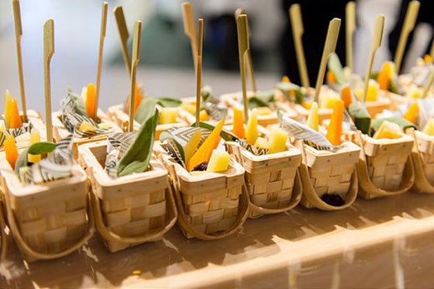 Basket Appetizers for Picnic
