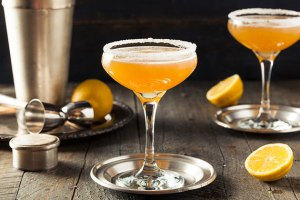 7 Sweet Combos for Custom Cocktails & Milwaukee Holiday Party Themes