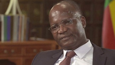 Photo of Jonathan Moyo's Mazowe farm case thrown out