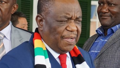 Photo of JUST IN: VP Chiwenga decrees that all graduating doctors join the army
