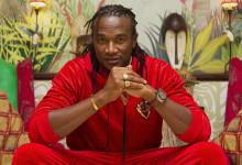 Photo of SHOTS FIRED! Hopewell Chin'ono, Jah Prayzah in nasty public fight
