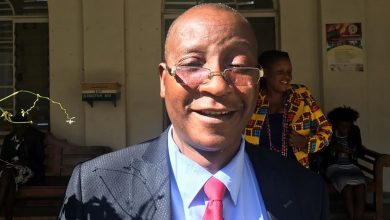 Photo of Mwonzora smiles all the way to the bank, shares $100m with Zanu-PF
