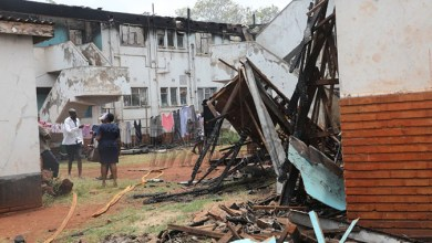 Photo of Fire razes down Harare flat leaving tenants injured