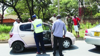 Photo of Cops argue over bribes while accident victims yell for help