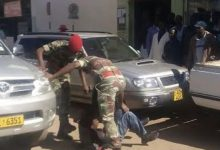 Photo of Soldiers beat up police in Beitbridge