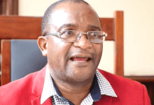 Photo of Mwonzora's bigwig defects to Chamisa, taking 'the whole district' with him