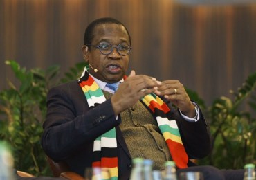 IMF warns Zimbabwe against pay hike for civil servants