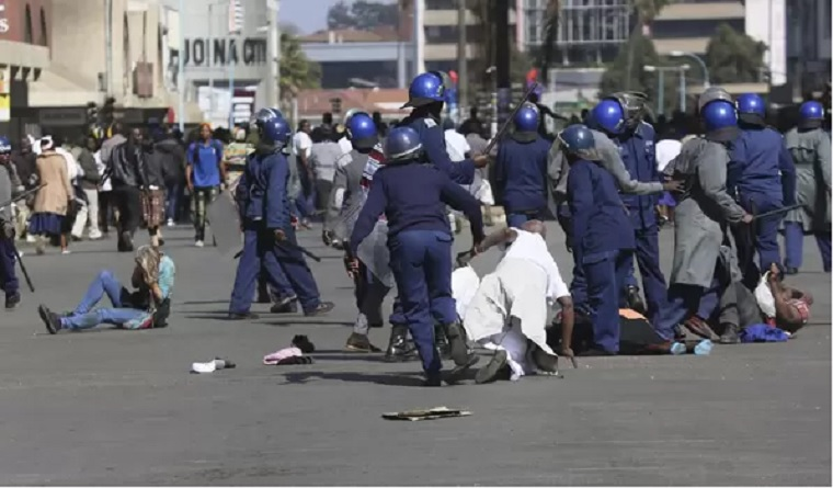 Zimbabwe police arrest 128 demonstrators