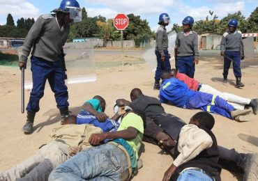 Zimbabwe police warn they will not fold hands if demonstrations turn violent
