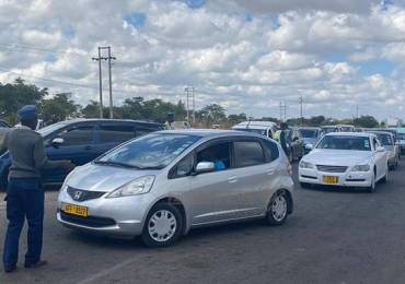 LOCKDOWN: Police intensify vetting of private vehicles