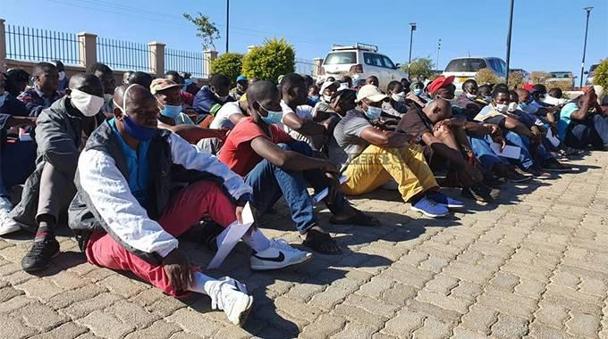 SA deports 273 more Zimbabweans