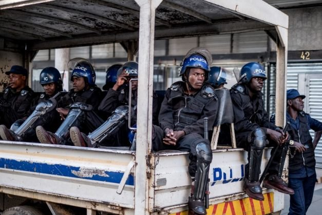 'Zim police in distress'