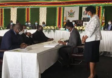 Zimbabwe permanent secretaries sign performance contracts