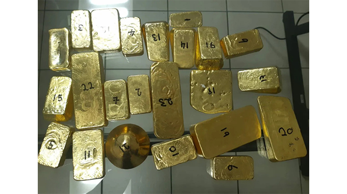 SA police arrest 33-year-old Zimbo for smuggling 23 pieces of gold worth R11 million