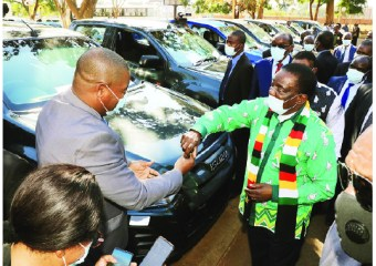 President delivers vehicles to traditional leaders