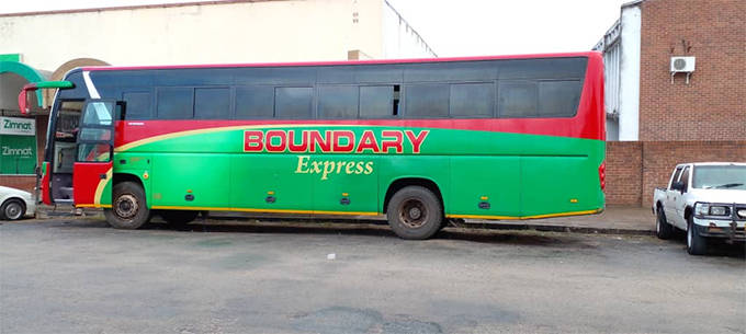 Robbers injure scores after hijacking bus