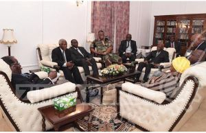 MUGABE-GENERALS CRUNCH MEETING