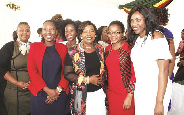 First Lady meets female journalists