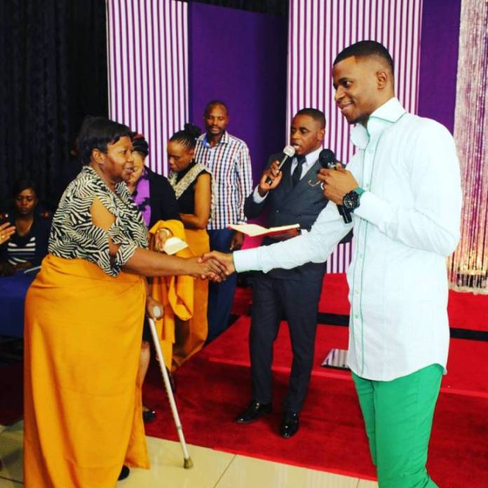 Zimbabwean Prophet Evidence Chari wows South Africa with instant Healing miracles!