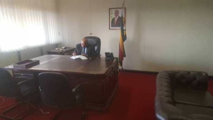Minister Shows Off Lavish New Office