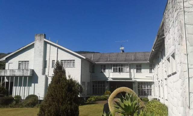 WHY CHIMANIMANI HOTEL IS STILL STANDING
