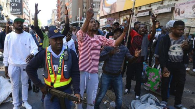 South African Police, Foreigners Clash In Cape Town CBD