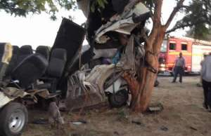 Head-on accident between taxi and Toyota Avanza kills 10 people including 3 children in Gauteng