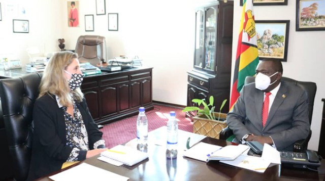 Britain pledges support for Zimbabwe
