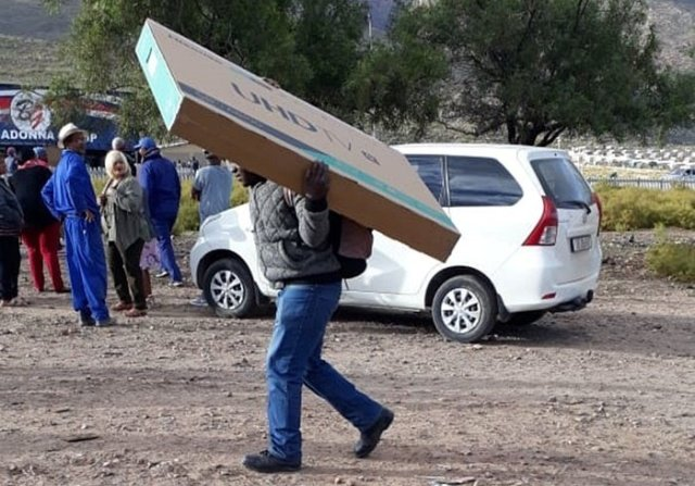 Bad news for S.A looters, Samsung blocks stolen TVs
