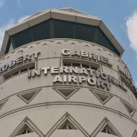 Harare Airport Staff Now Tipping Off Armed Robbers To Go After Arriving Diasporans?