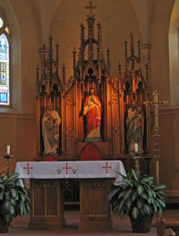 Altar at Immaculate Conception in Dardenne Prairie, MO