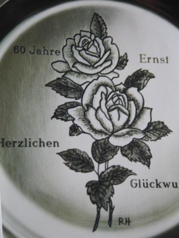 Geburtstagsteller mit Rosengravur handgraviert