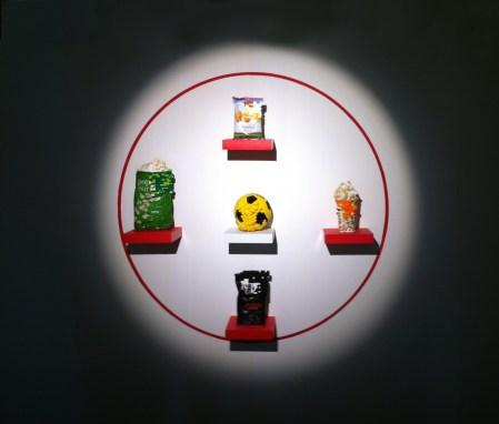 Panem et circenses MMXV, oggetti e lego, 160cm