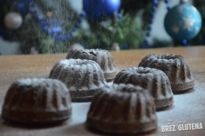 Božične brezglutenske kvinojine potičke brez jajc, mleka in dodanih maščob