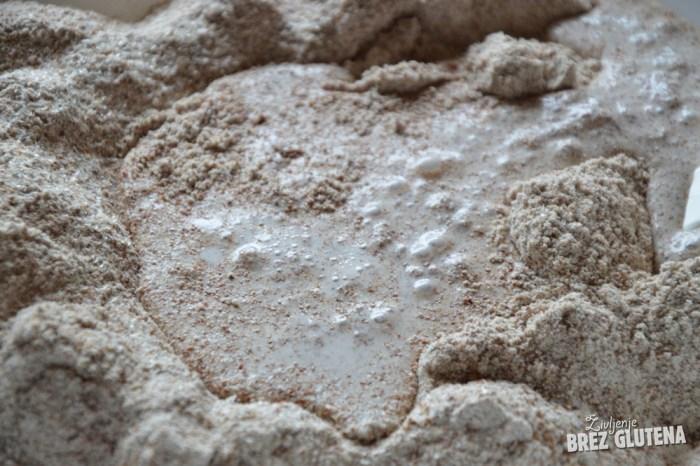 kruh iz rdeče kvinoje z drožmi 4