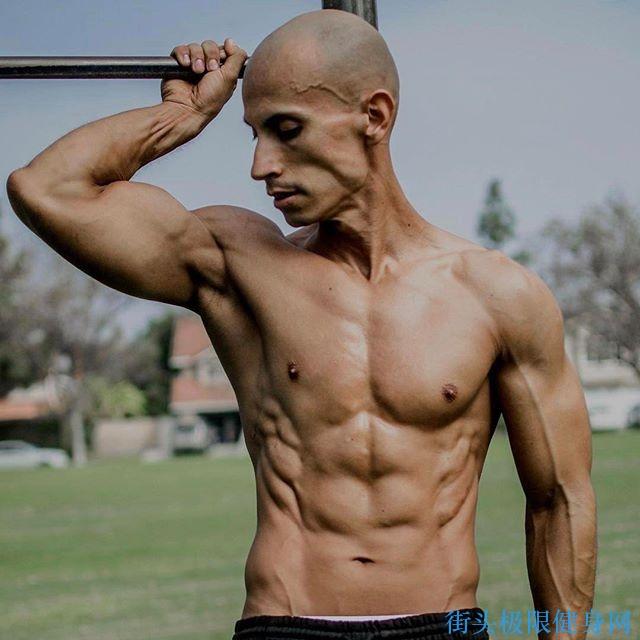 【圖片】素食自重健身大師弗蘭克梅德拉諾肌肉圖(二) _ 街頭極限健身網