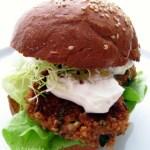 Quinoa Falafel Hamburger