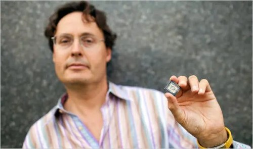 The inventor Jonathan Rothberg with a semiconductor chip used in the Ion Torrent machine. (c) Christopher Capozziello , NY Times