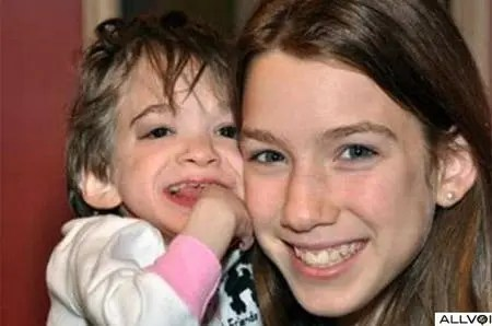 Brooke with her younger sister.