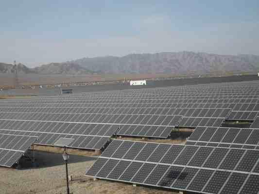 100MW Ningxia Shizuishan Solar Power Plant—China.
