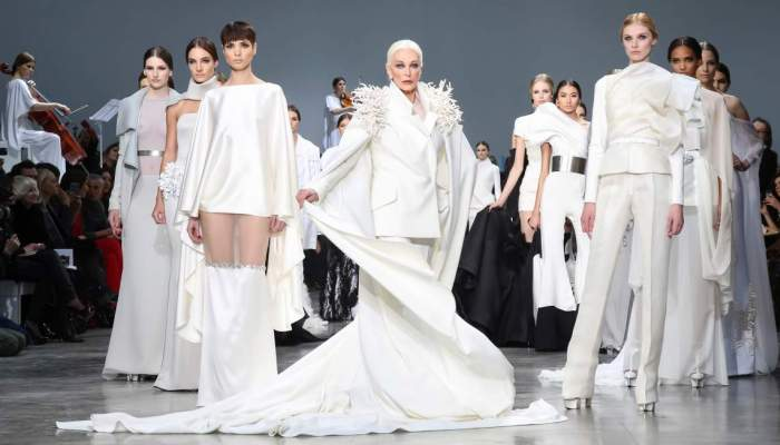 PARIS, FRANCE - JANUARY 22: Carmen Dell'Orefice and models walk the runway during the Stephane Rolland Spring/Summer 2013 Haute-Couture show as part of Paris Fashion Week at Palais De Tokyo on January 22, 2013 in Paris, France.  (Photo by Richard Bord/Getty Images)