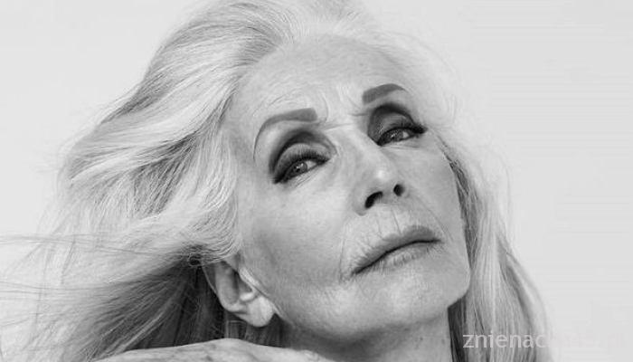 81-letnia modelka topless – Helena Norowicz dla BOHOBOCO