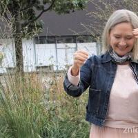 Siwe włosy – aktualizacja na trampolinie