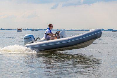 Zodiac Yachtline Deluxe Rib 400