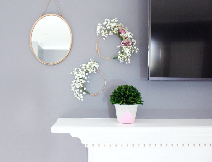 Mantel Decoration with TV - Zoe With Love