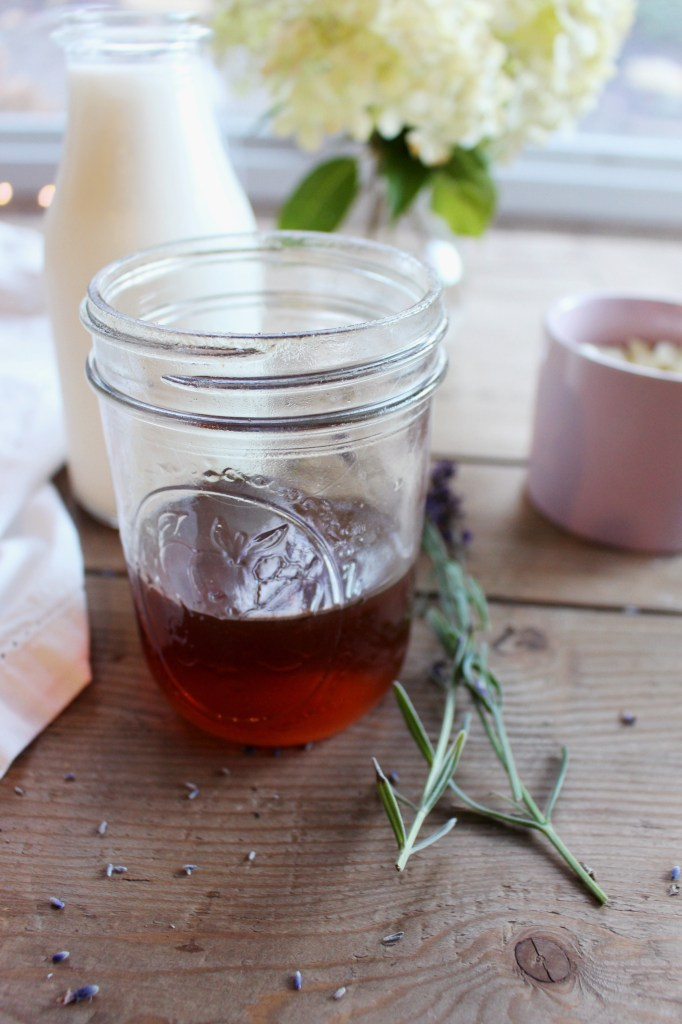 lavender-honey-white-hot-chocolate-ingredients-and-recipe-on-blog-zoe-with-love