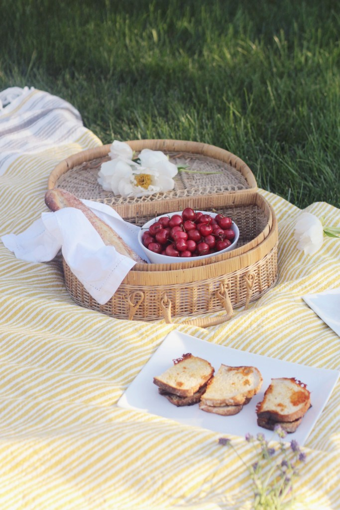 Summer Family Picnic Ideas with Dietz and Watson