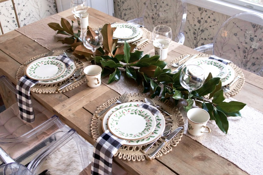 Country chic dining room, magnolia leaf centerpiece, gingham napkins | Pittsburgh Lifestyle Blog, Zoe With Love