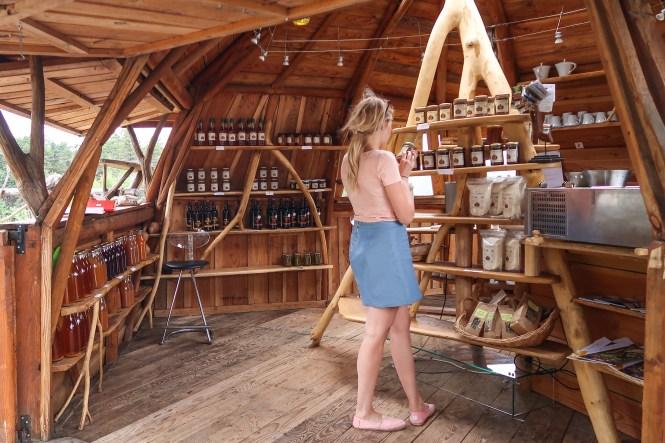 boerderijwinkel langs de weg in de Ardèche
