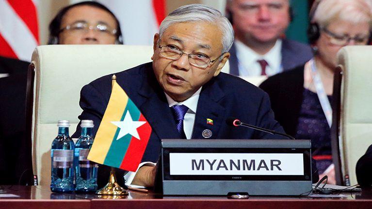 Myanmar President asemlaitak ahi U Htin Kyaw apanmun pan khawlta